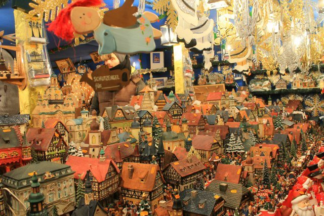 Decoración navideña en el mercado de Núremberg