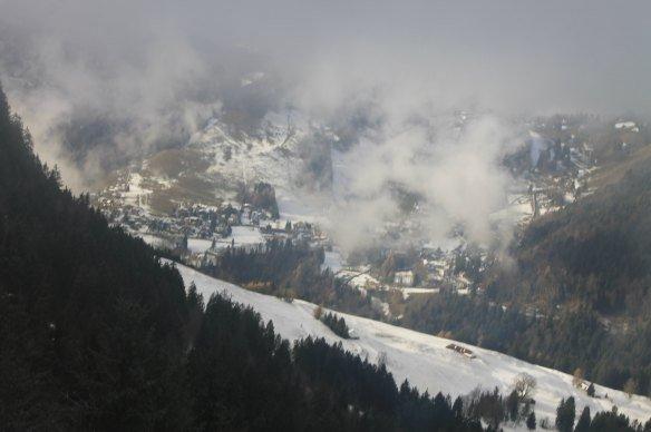 Montaña despejada en el tren de Montreux a Rochers-de-Naye