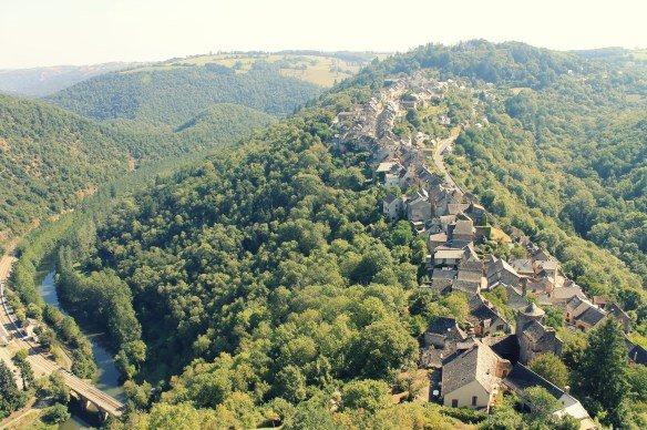 Pueblo de Najac visto desde el castillo
