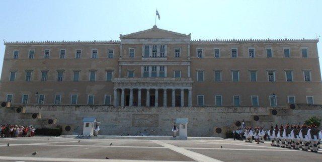 Parlamento griego en la Plaza Syntagma de Atenas