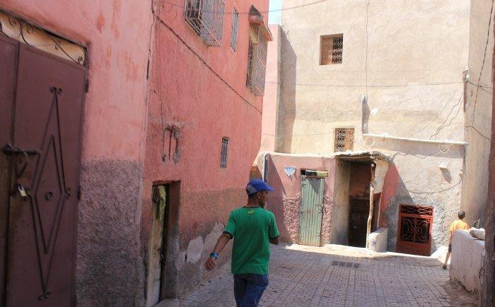 El guardián del barrio de los curtidores de Marrakech