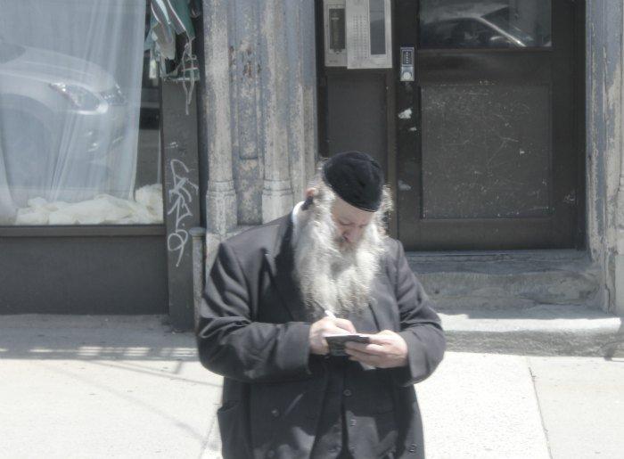 Judío ortodoxo en el barrio de Brooklyn