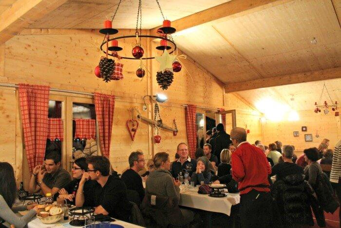 Restaurante de madera La Poya en Montreux