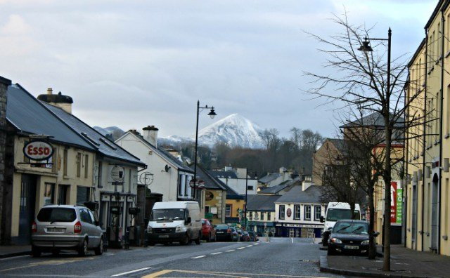 La montaña Croagh Patrick desde Westport