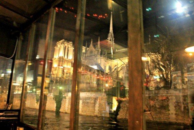 Notre Dame desde el barco cabaret