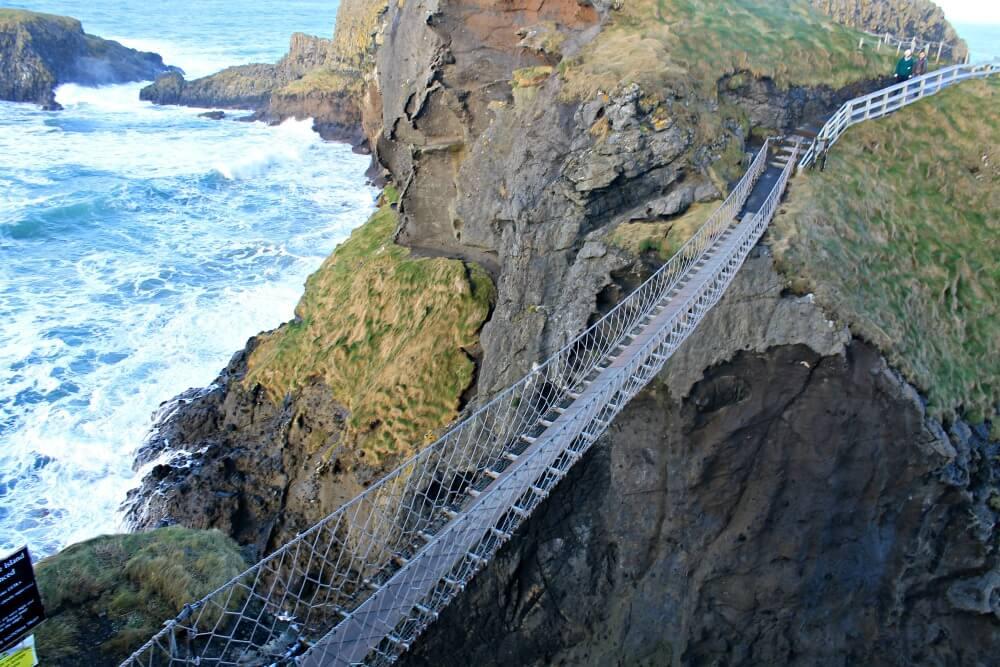 Puente colgante de Carrick-a-Rede en Irlanda del Norte
