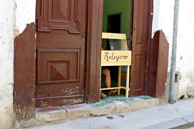 Relojero en Cuba