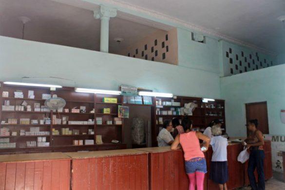 Una farmacia en Cuba - Seguro en Cuba