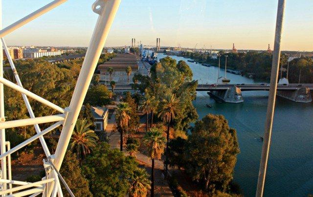 La noria y los puentes de Sevilla