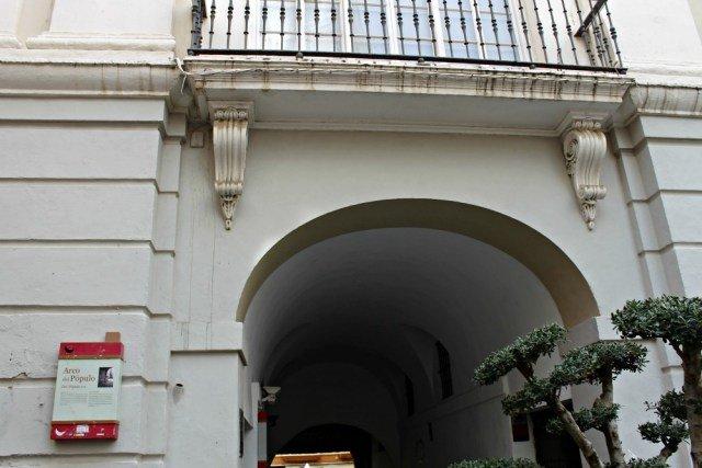 Arco del Pópulo en Cádiz