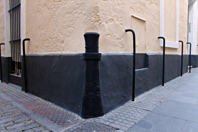 Cañones en las esquinas - Curiosidades de Cádiz