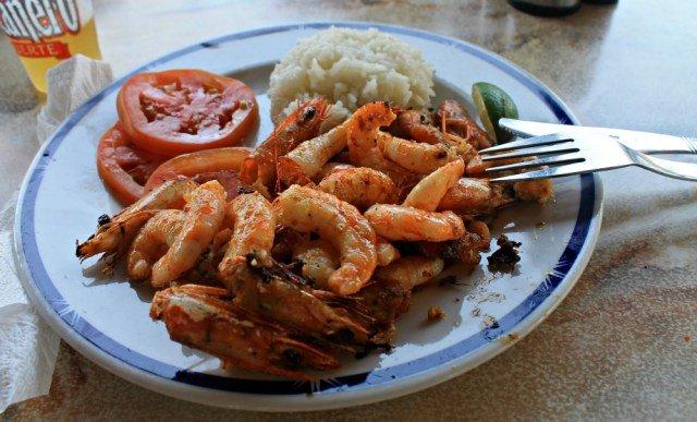 Comer en Playa Pilar restaurante