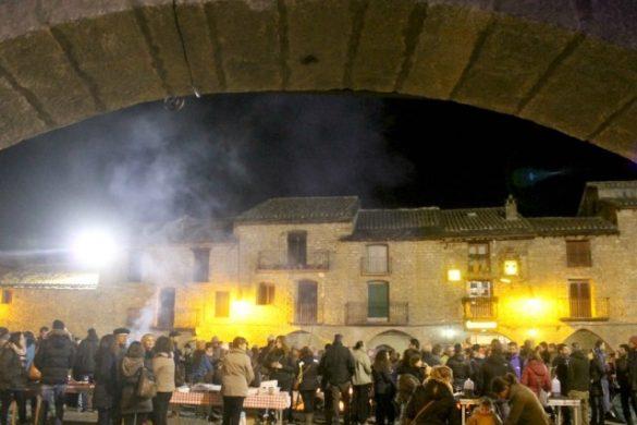 El pueblo de Aínsa celebrando el Punchacubas