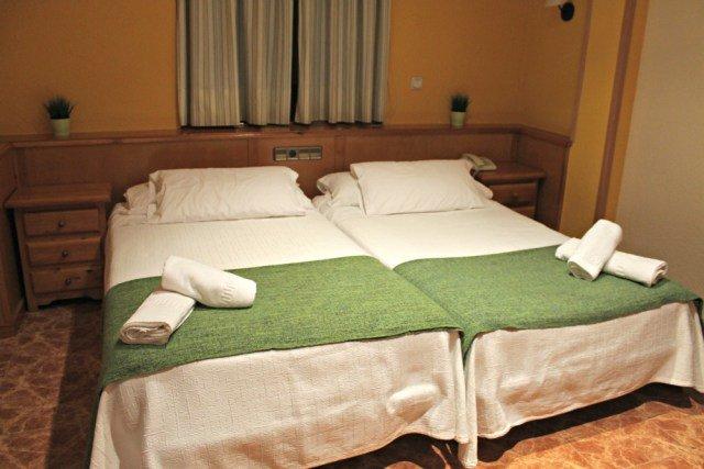 Mi habitación en el Hotel Sánchez - Dormir en Aínsa