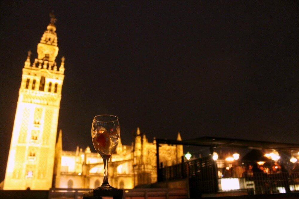 5 gintonics con vistas a la giralda los viajes de claudia - Terraza hotel eme ...