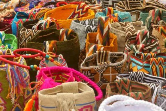 Mochilas wayuus de colores - precio