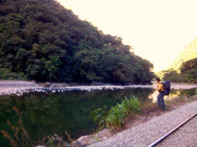 Río y mi acompañante peruano a Machu Picchu