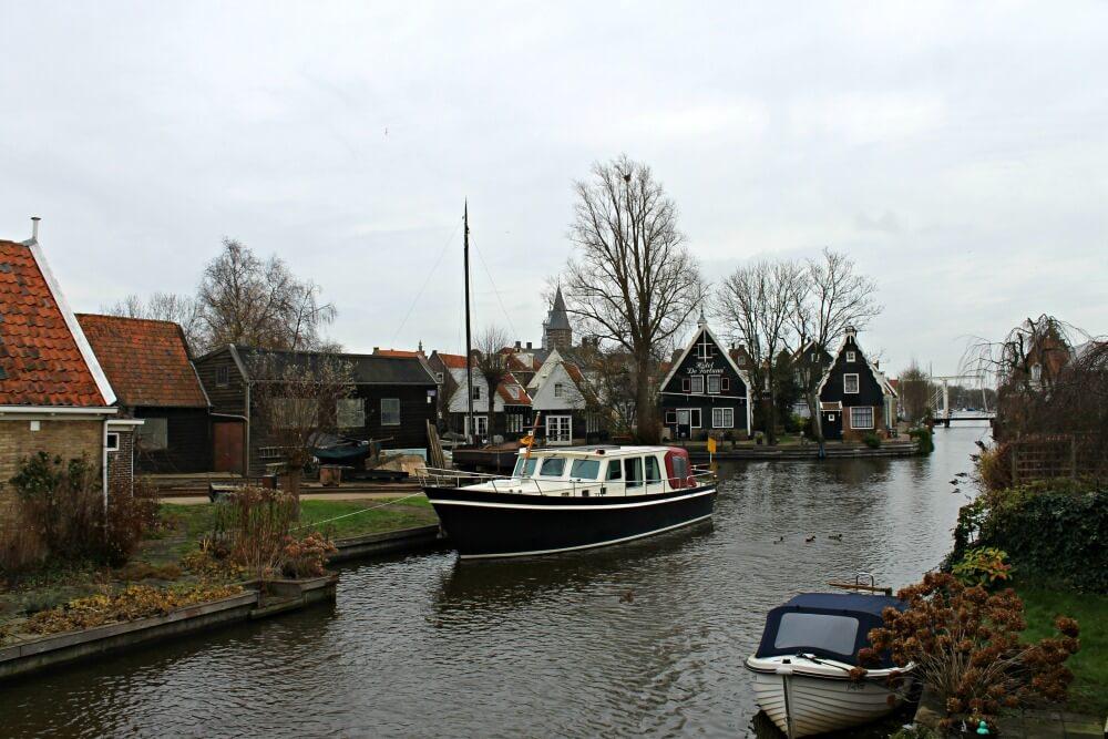 Los canales de Edam en Holanda