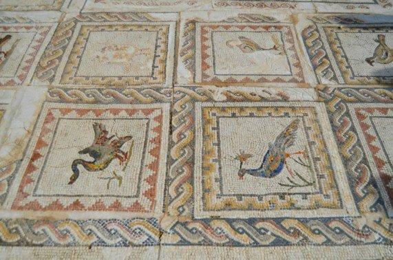 Mosaico de la Casa de los Pájaros de Itálica