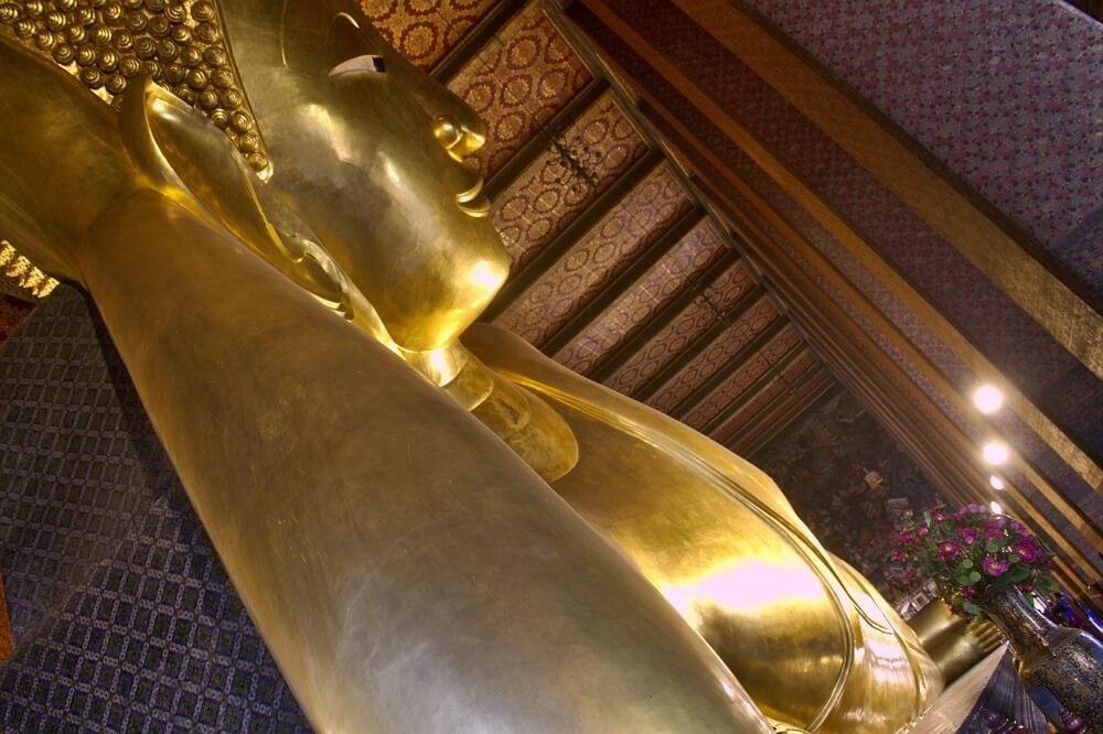 El imponente Buda Reclinado de Wat Po