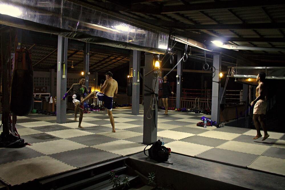 Entrenamiento de Muay Thai en Tailandia