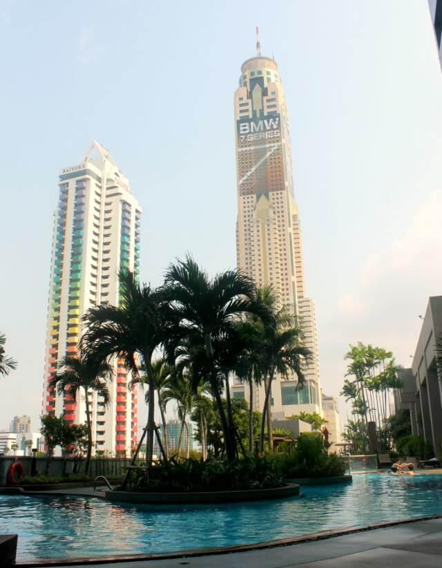 Piscina de nuestro hotel de Bangkok