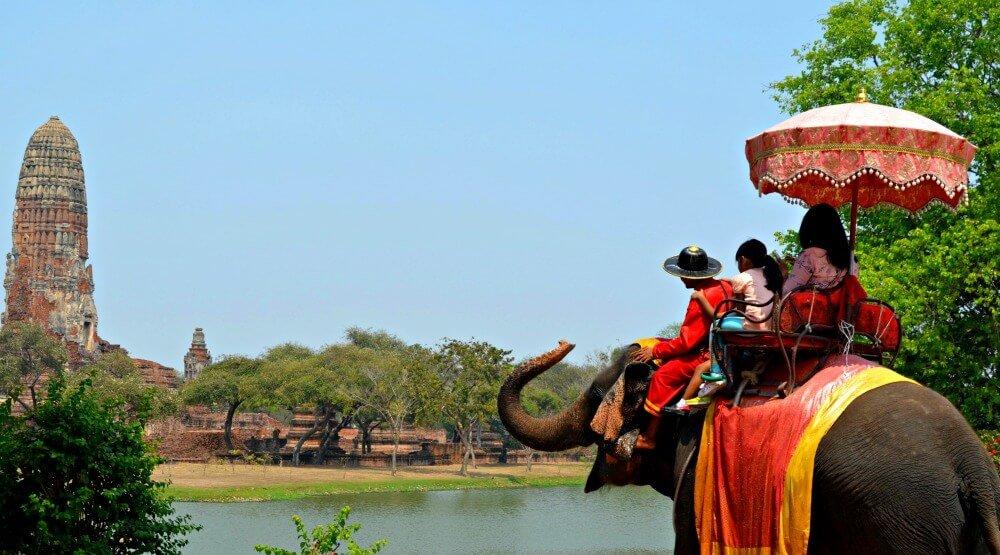 Un elefante en Ayutthaya