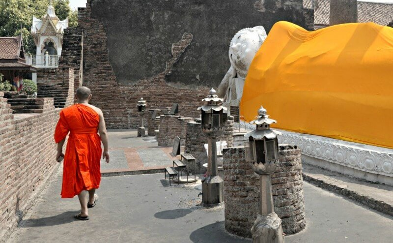 Un monje en Ayutthaya