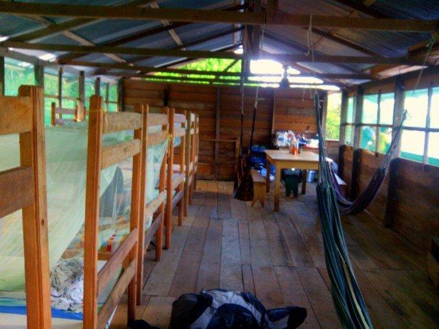 Casa flotante hotel en el Amazonas