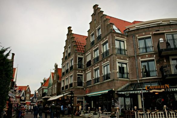 Las calles de la mágica Volendam en Holanda