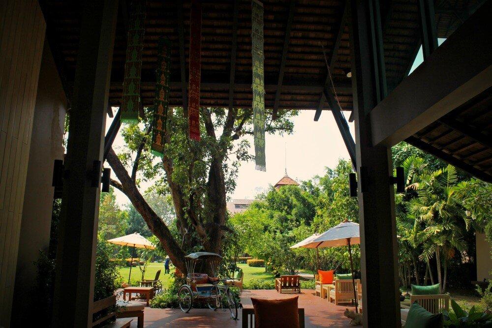 Jardines que te invitan a relajarte en el Siripanna de Chiang Mai