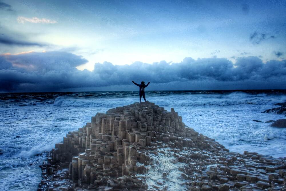 La salvaje Calzada de los Gigantes de Irlanda del Norte