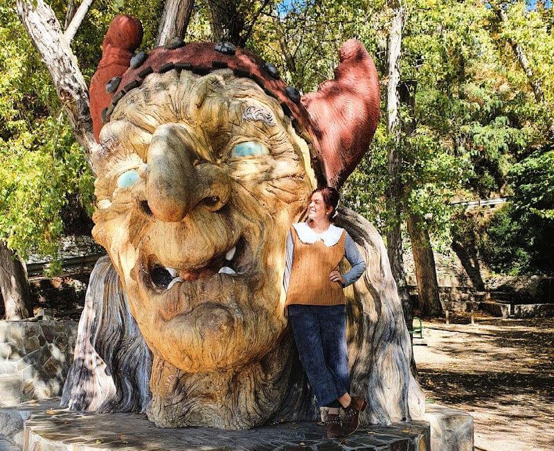 Cabeza de Baba Yaga - Qué ver en Soportújar