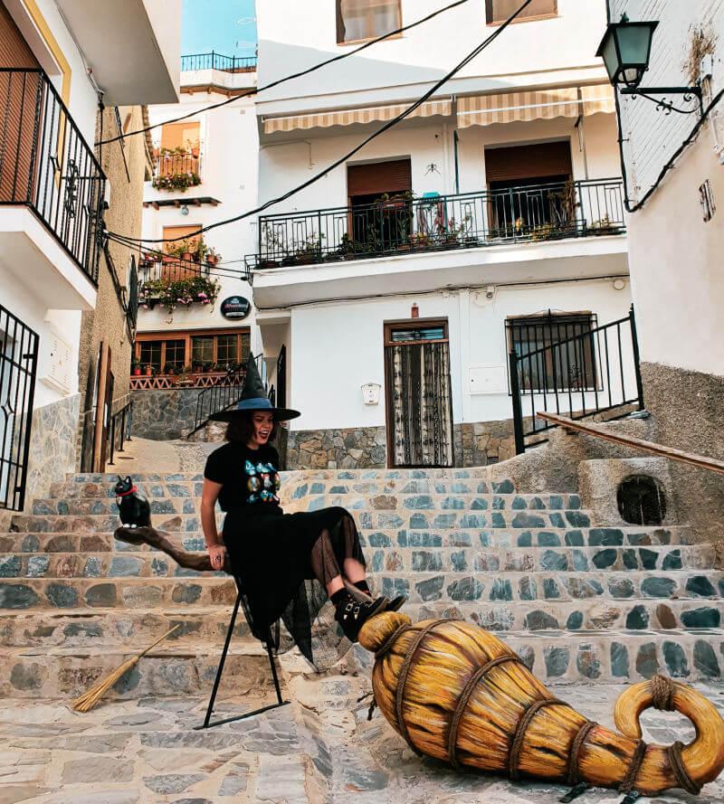 La escoba del pueblo de las brujas de Granada