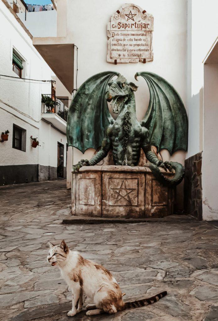 La fuente del dragón, ruta de brujas de Soportújar