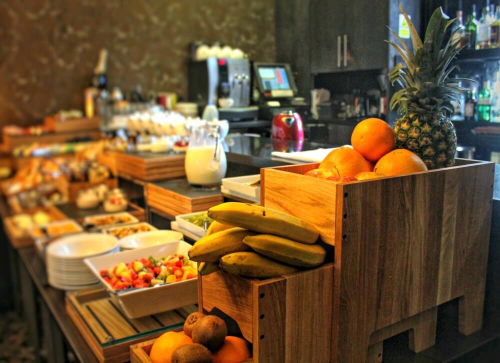 Buffet de desayuno del hotel Nira Caledonia de Edimburgo