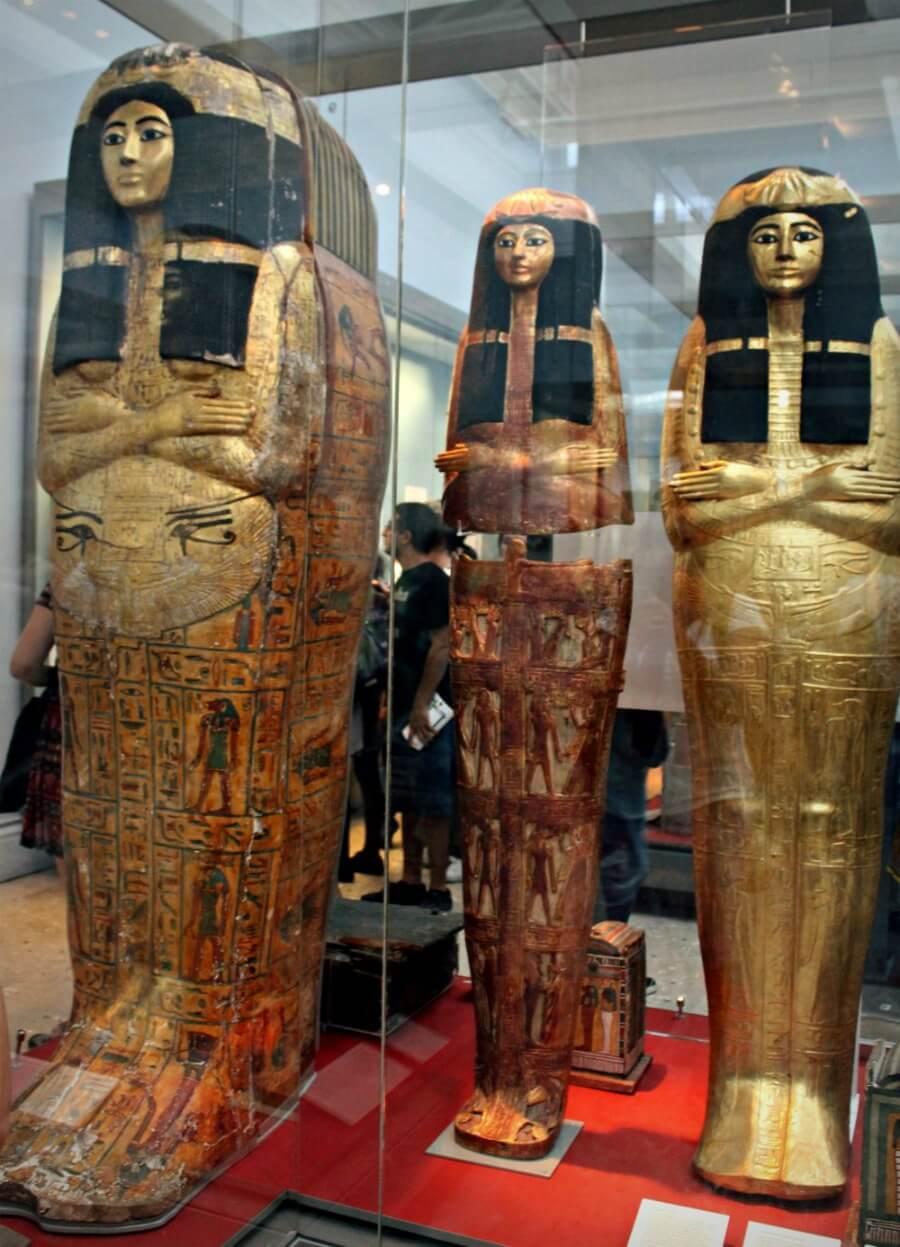 Sarcófagos de la sacerdotisa Henutmehyt del Museo Británico de Londres