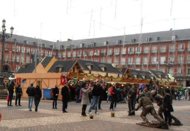 Plaza Mayor de Madrid en navidad - Mercados navideños más bonitos de Europa
