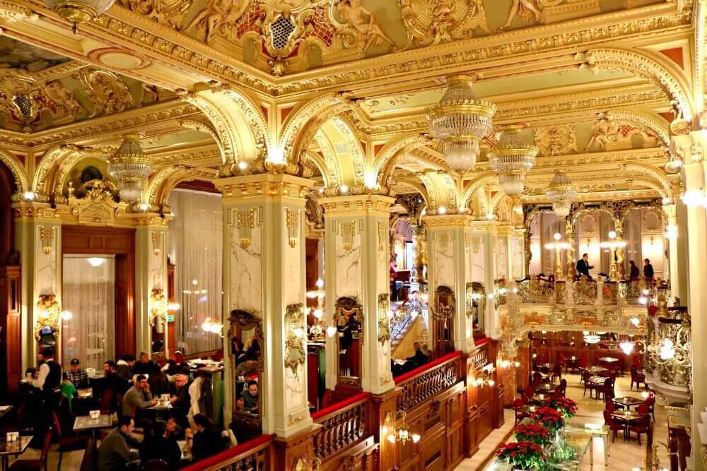New York Café, la cafetería más lujosa de Budapest