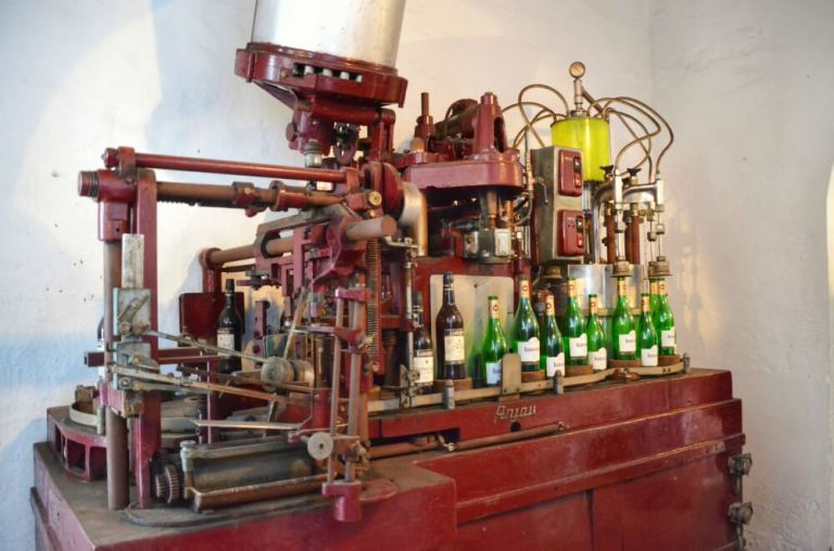 Máquinas de embotellado en Barbadillo.