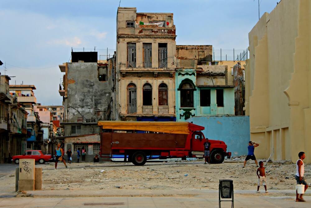 Moverse por Cuba en camión
