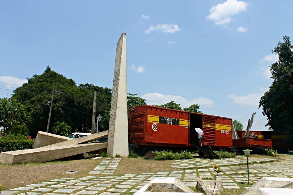 Visita al tren blindado en Santa Clara, Cuba
