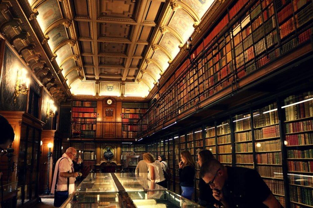 Biblioteca del Palacio de Chantilly, muy cerca de París