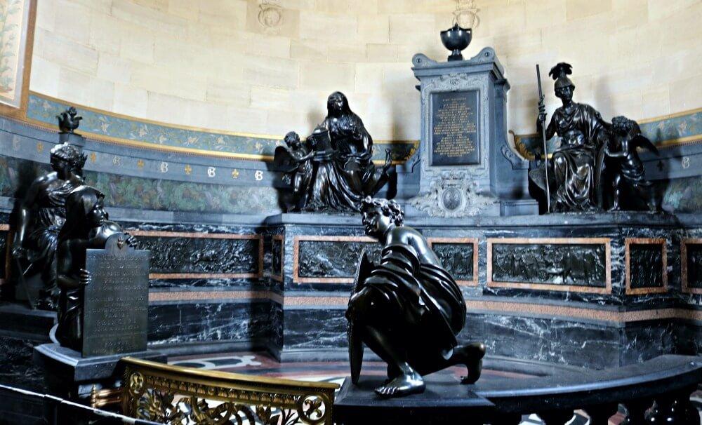 Capilla de los Corazones en el Palacio de Chantilly