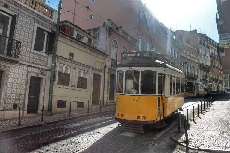 Tranvía amarillo - Viajar a Portugal