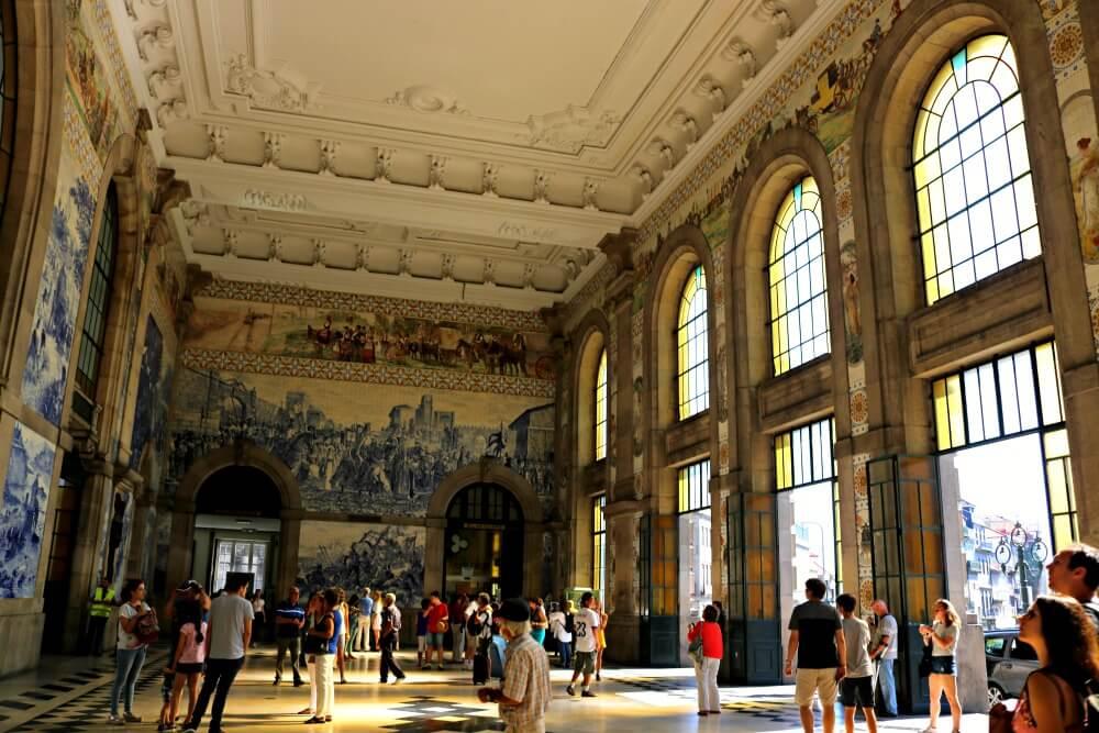 Estación de San Bento - Ruta por los azulejos de Oporto