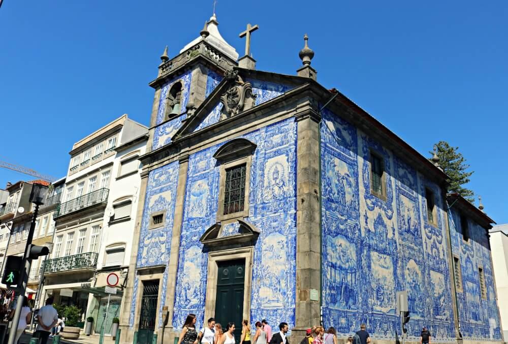 Capilla de las Almas - Ruta por los azulejos de Oporto