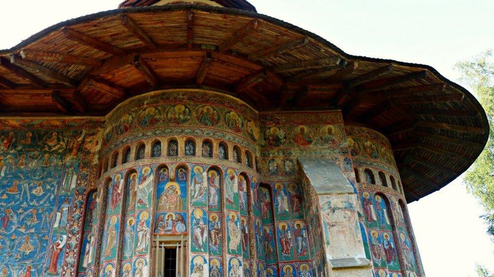 Pinturas bizantinas en los monasterios de Bucovina