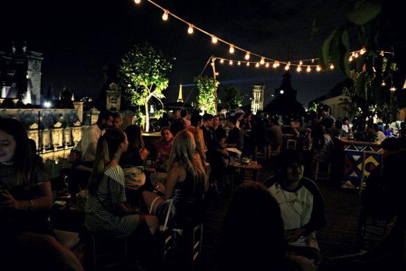 Una copa en la terraza Le Perchoir, planes en París
