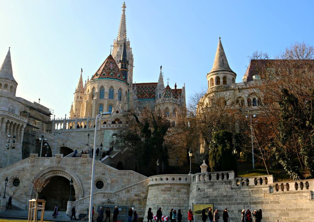 Bastión de los Pescadores e Iglesia de Matías en Budapest
